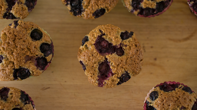 Flaxseed oil muffin