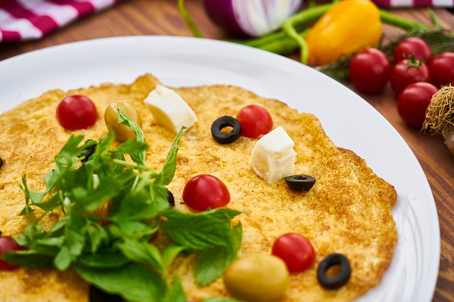 Omelette with Cherry Tomatoes